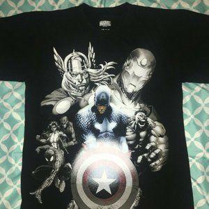 Marvel Avengers Men's Size Small Black Graphic Tee